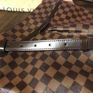 Louis Vuitton bloomsbury Crossbody with wallet